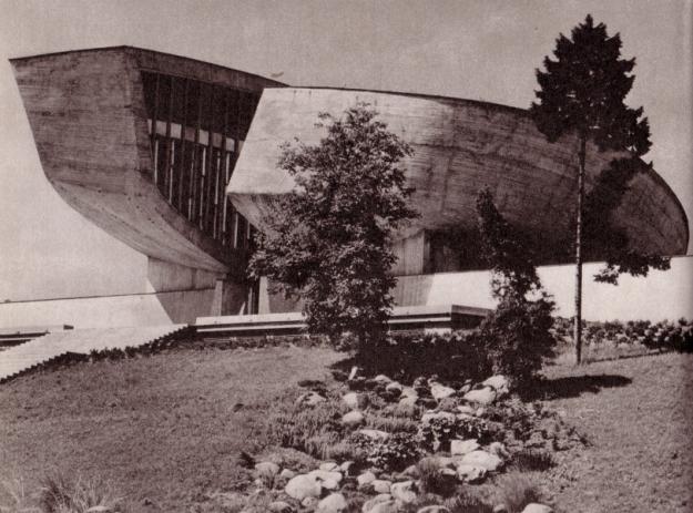 Aus Vebr, Jaroslav: Soudobá architektura ČSSR, Praha 1980