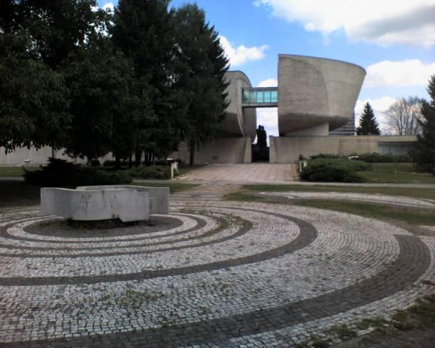 PamätníkRückseite