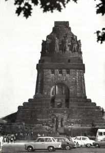 Völkerschlachtdenkmal in Leipzig, errichtet 1913 (aus Autorenkollektiv: Völkerschlachtdenkmal Leipzig, Leipzig 1975)