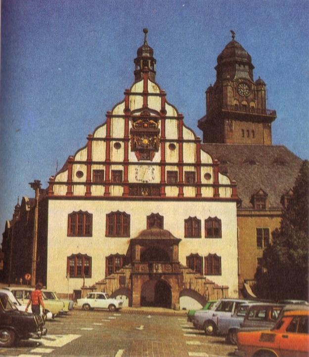 Aus Adamiak, Josef/Pillep, Rudolf: Kunstland DDR, Leipzig 1979