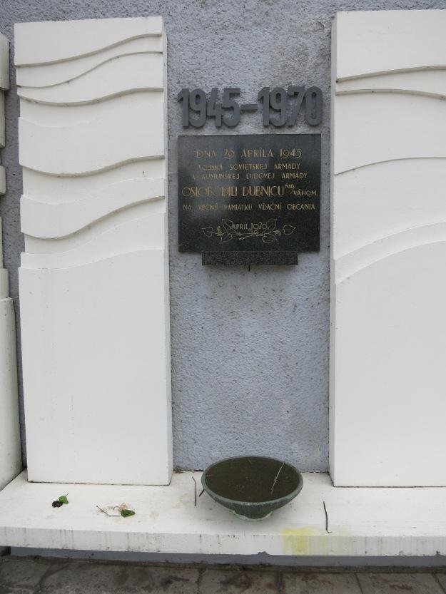 SowjetischesEhrenmalDubnica