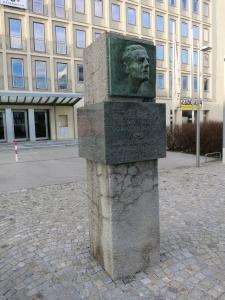 DenkmalJohannKoplenigHöchstädtplatz