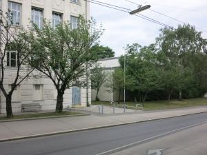 Bundesrealgymnasium19WienMitTurnhalle
