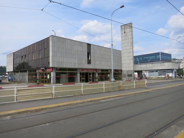 PrahaNádražíHolešoviceFučíkovaEingangsgebäude
