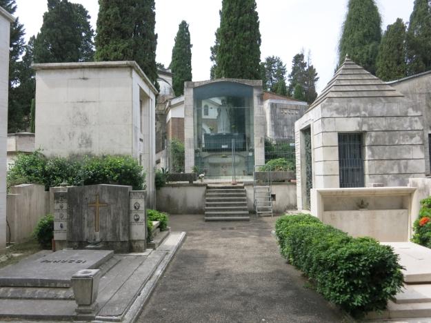 CimiteroDelVeranoGläserneGruft