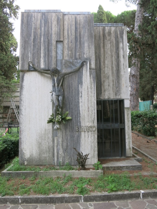 CimiteroDelVeranoGruftBianco