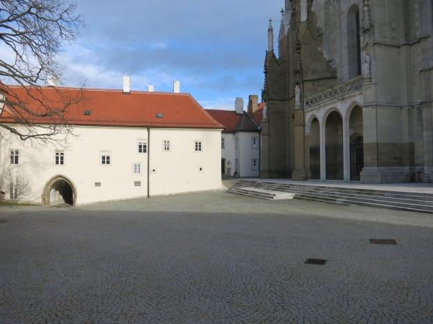 StiftKlosterneuburgLöweFensterEingangLeopoldihof