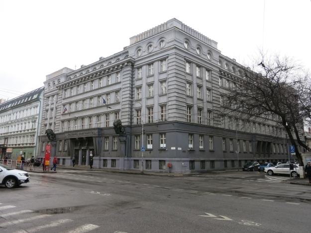 PolicajnéRiaditeľstvoBratislava2