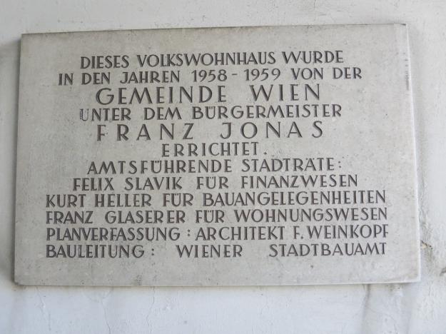GemeindebauMildeplatzSchild