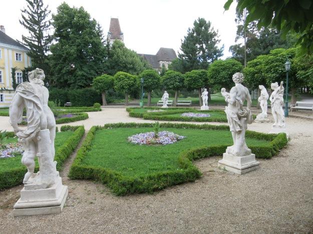 ZellparkPerchtoldsdorfSkulpturenMittelalter