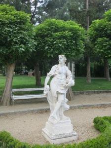 ZellparkPerchtoldsdorfSkulpturRosen