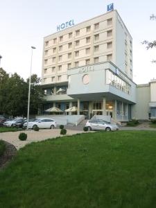 hotelkarpatiahumenne