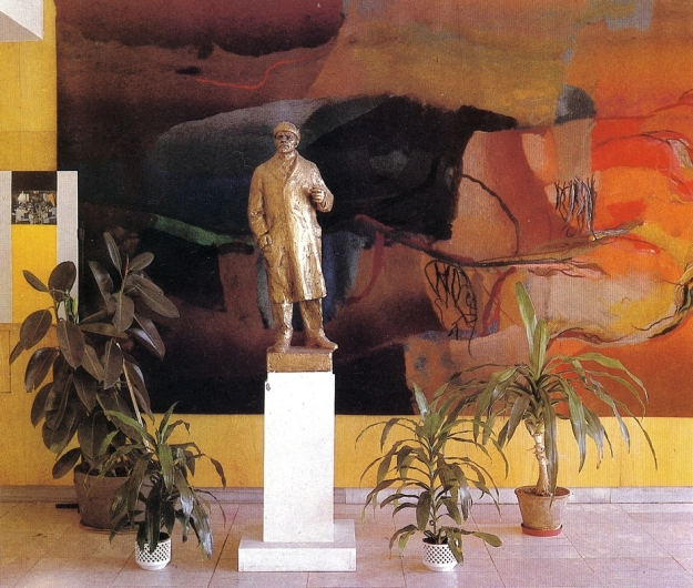 Lenin im Dům Kultury (Kulturhaus) in Kyjov, aus Autorenkollektiv: Pro bohatost a krásu života, Praha 1980